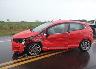 Veículo envolvidos na batida tinham placas de Campo Grande. Foto: Alvorada Informa/Reprodução