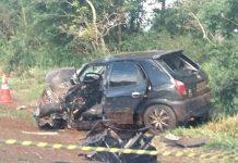 Carro de passeio ficou destruído. Foto: PRF/DivulgaçãoCarro de passeio ficou destruído. Foto: PRF/Divulgação