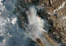 Imagem de satélite da NASA mostra fumaça de incêndios da Califórnia. Foto: NASA/Reprodução