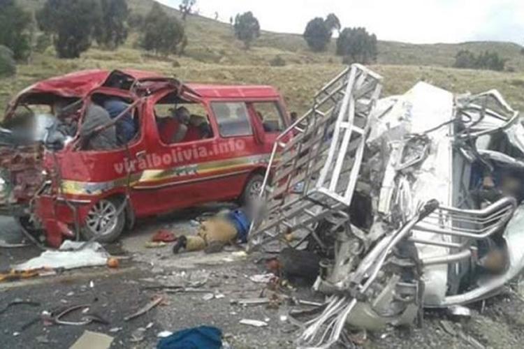 Acidente deixa 17 mortos. Foto: Reprodução