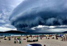 Fenômeno foi registrado na quinta-feira na Praia do Campeche. Foto: Sander Magalhães/Arquivo pessoal