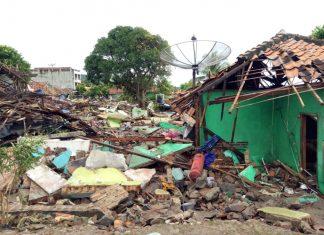 Tsunami devastou Indonésia. Foto: Indonesian Red Cross