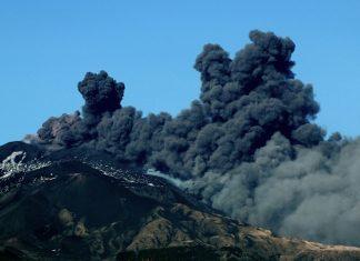 Vulcão Etna em atividade na região da Sicília. Foto: Giovanni Isolino/AFP