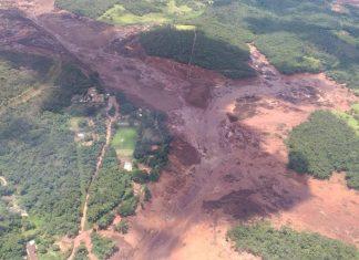 Barragem se rompe em Brumadinho (MG). Foto: Corpo de Bombeiros/Divulgação