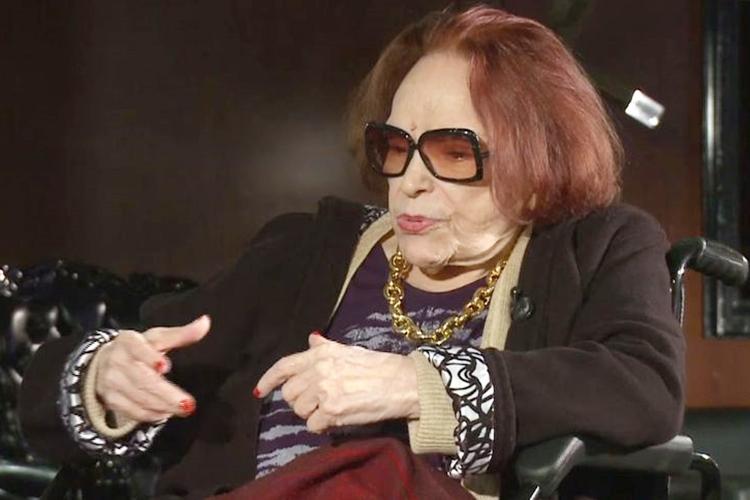 A atriz, cantora e diretora Bibi Ferreira, em entrevista à TV Brasil. Foto: Reprodução