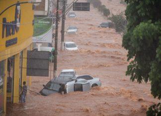 Chuva arrasta carros e causa prejuízos em Franca. Foto: Igor do Vale/Reprodução