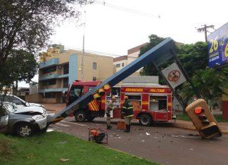 Acidente deixou mulher ferida. Foto: Osvaldo Duarte/Dourados News/Reprodução