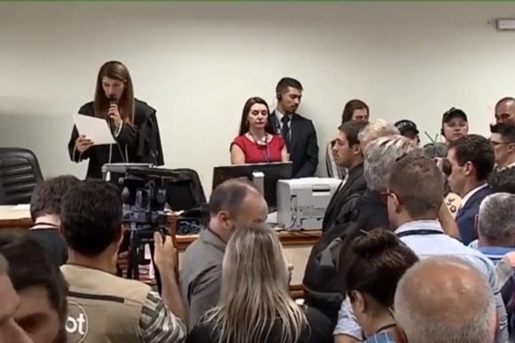 Juíza lê sentença do julgamento da morte de Bernardo. Foto: Reprodução