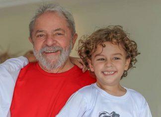 Lula com o neto. Foto: Ricardo Stuckert/Reprodução