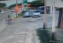Ciclista escapou ileso. Foto: Reprodução