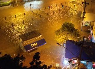 Chuva alagou ruas no Rio de Janeiro. Foto: Reprodução