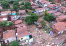 Casas foram arrasadas pela força da enxurrada, em Teresina. Foto: TV Clube/Reprodução