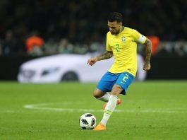 Daniel Alves foi campeão da Copa América em 2007 e da Copa das Confederações em 2009 e 2013. Foto: Lucas Figueiredo/CBF