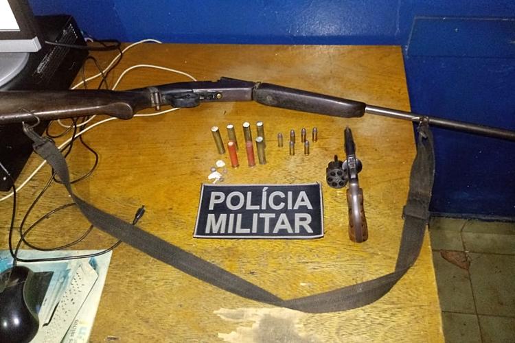 Armas apreendidas pela Polícia Militar (PM). Foto: Divulgação