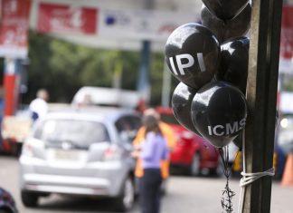 Lojistas oferecem descontos em Dia Livre de Imposto. Foto: Marcelo Camargo/Agência Brasil