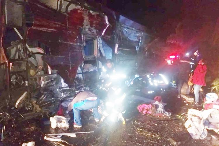Acidente deixou 10 mortos. Foto: Corpo de Bombeiros/Divulgação