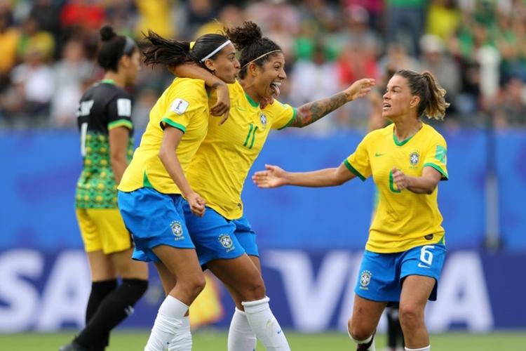 Com hat-trick de Cristiane, Brasil bate as jamaicanas por 3 a 0. Foto: FIFA/Getty Images/Reprodução