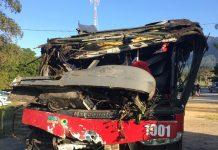 Ônibus ficou destruído. Foto: Vanessa Vantine/TV Vanguarda/eprodução