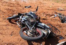 Motociclista ficou gravemente ferido. Foto: Ivinotícias/Reprodução