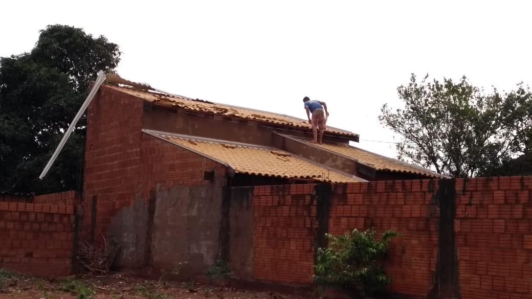 Tempestade com ventos de 131 km/h causa destruição em Ribas do Rio Pardo. Foto: Rio Pardo News/Reprodução