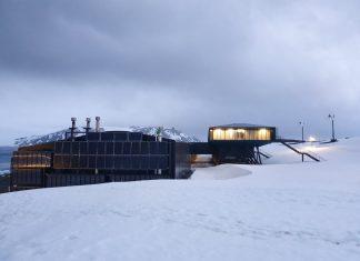 Painéis solares na Estação Antártica Comandante Ferraz. Foto: Estúdio 41/Divulgação