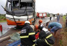 Ônibus se envolveu em acidente. Foto: Sidrolândia News/Reprodução