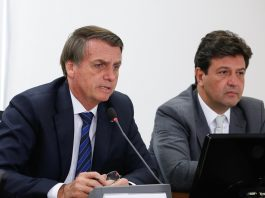 Presidente Jair Bolsonaro acompanhado do Ministro da Saúde Luiz Henrique Mandetta. Foto: Carolina Antunes/PR