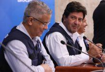 Wanderson de Oliveira e Luiz Henrique Mandetta. Foto: José Dias/PR