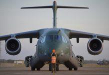 Avião da Força Aérea Brasileira (FAB) levam materiais de saúde para Manaus. Foto: Ten Inforzatto/FAB