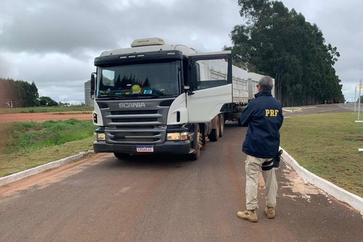 Carreta que transportava cocaína. Foto: PRF/Divulgação