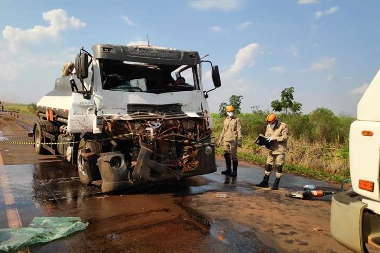 Motorista morreu em acidente entre Dourados e Lagua Carapã. Foto: Dourados News/Reprodução