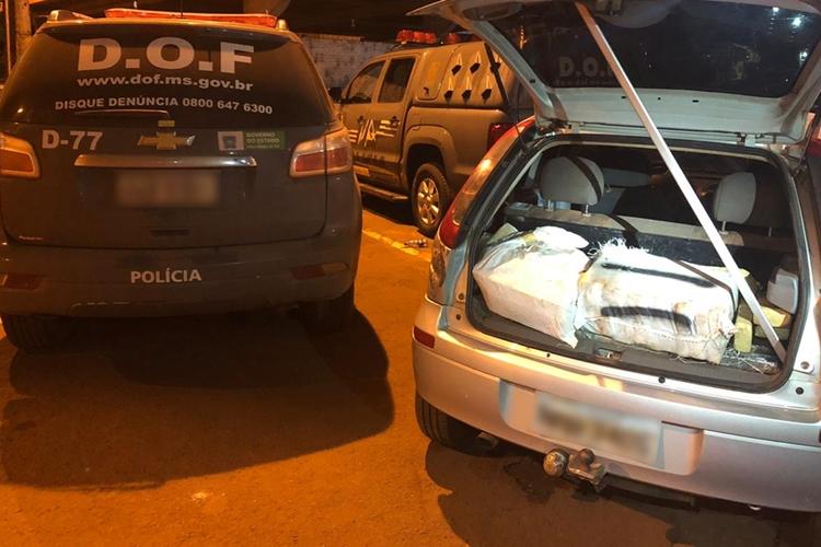 Veículo abandonado com 400 quilos de maconha foi apreendido pelo DOF. Foto: Divulgação