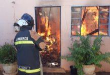 Casa é destruída em incêndio em Nova Andradina. Foto: Marcos Donzeli/Nova Notícias/Reprodução