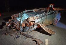 Carro ficou destruído. Foto: Sidnei Bronka/Ligado na Notícia/Reprodução