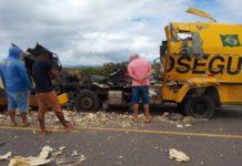 Carro forte explodido durante tentativa de assalto na Bahia. Foto: Reprodução