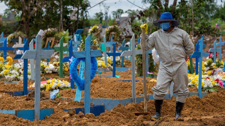 Brasil passa dos 100 mil mortos por covid-19. Foto: Alex Pazuello/Semcom