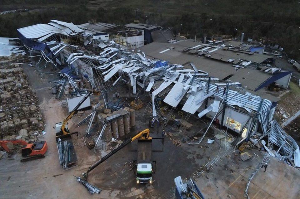 Empresas de Tangará, no Oeste de SC, também foram destruídas por tornado. Foto: Flávio Júnior/Defesa Civil