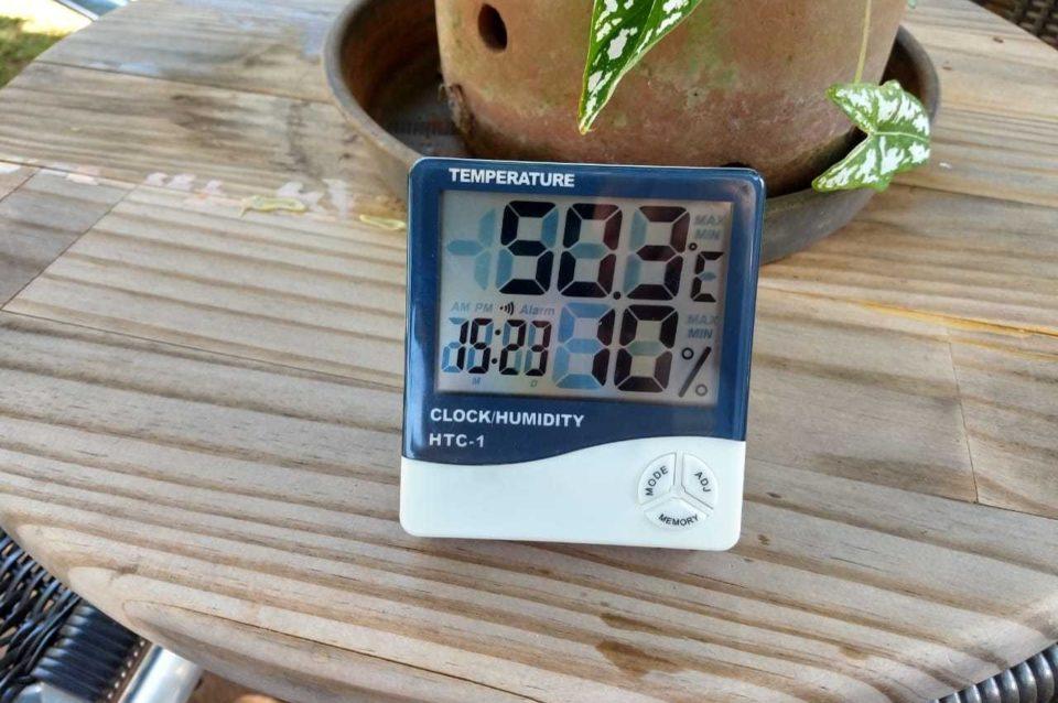 Aparelho medidor indicando sensação térmica de 50°C, em Campo Grande. Foto: Campo Grande News/Reprodução