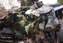 Van que se envolveu no acidente em Patos de Minas (MG). Foto: Polícia Rodoviária Federal/Divulgação