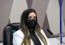 Diretora técnica da Precisa Medicamentos, Emanuela Batista de Souza Medrades. Foto: Marcos Oliveira/Agência Senado