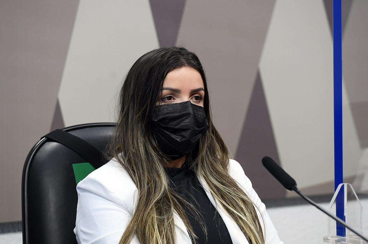 Diretora técnica da Precisa Medicamentos, Emanuela Medrades. Foto: Marcos Oliveira/Agência Senado