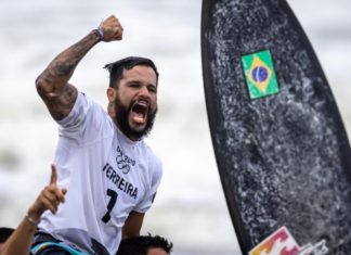 Italo Ferreira mostrou porque está entre os melhores surfistas da atualidade. Foto: Jonne Roriz/COB/Reprodução