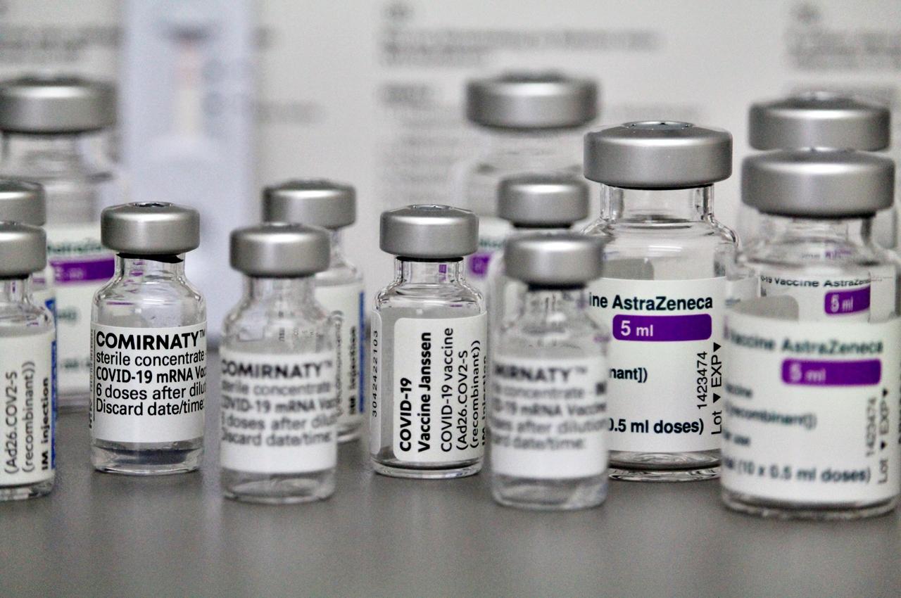 Cerca de 26 mil doses da AstraZeneca fora da validade foram aplicadas em 1.532 municípios. Foto: Johaehn/Pixabay