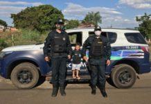 Davi Lucas com os policiais em Coxim. Foto: Divulgação