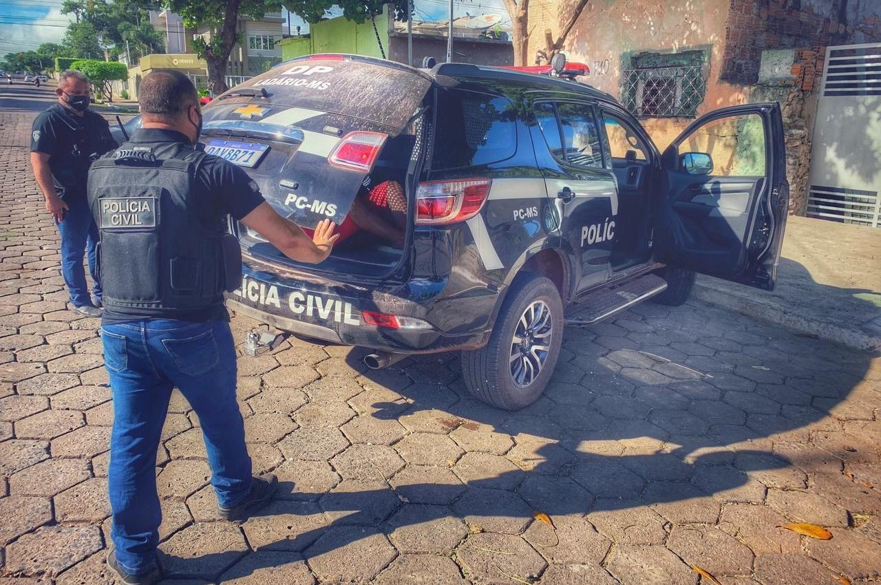 Polícia Civil prende acusado de prática de estupro de vulnerável contra enteada em Corumbá. Foto: Divulgação