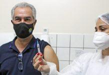 Governador toma segunda dose da vacina. Foto: Chico Ribeiro/Assessoria