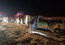 Imagens mostram acidente entre ônibus, van e caminhão. Foto: Reprodução