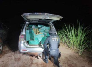 Traficante abandona veículo com 1,2t de maconha e foge por canavial. Foto: DOF/Divulgação